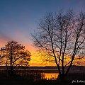 Zmierzch nad jeziorem #jezioro #zachód #chmury #Chojnice